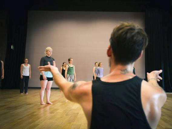 Dance Artist & Choreographer